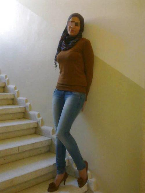 Aicha est une chaude marocaine qui recherche une rencontre avec feeling à Nice