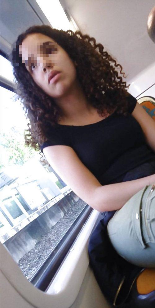 Inaya est une fille rebeu qui recherche une rencontre sexe à Saint-Etienne