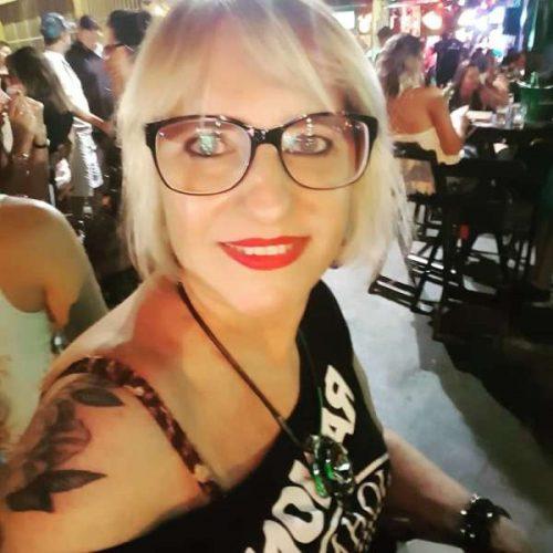 Oliane cherche un plan sexe mature à Toulouse