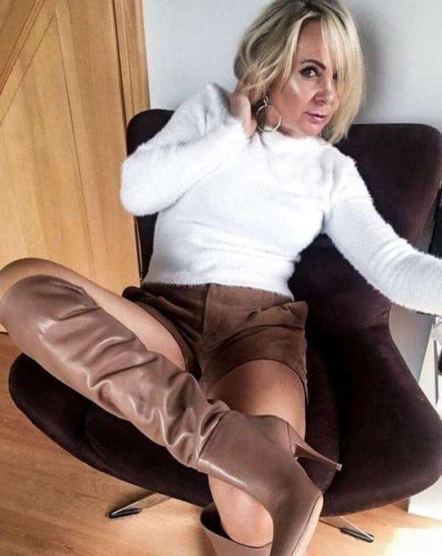 Emeline cherche un homme coquin à Bordeaux